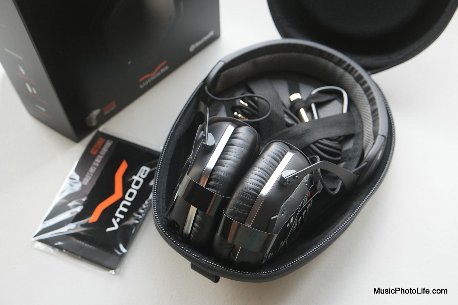 V-MODA Crossfade Wireless in carry case