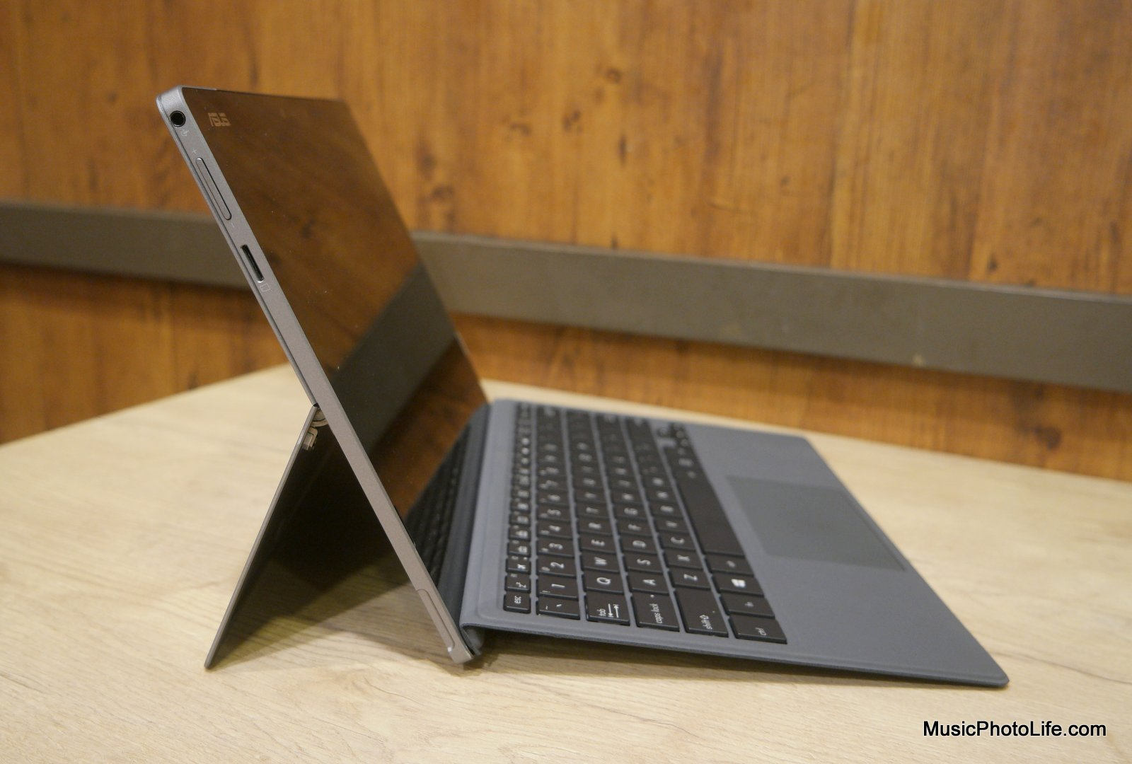 ASUS Transformer 3 Pro review by Singapore gadget reviewer Chester Tan