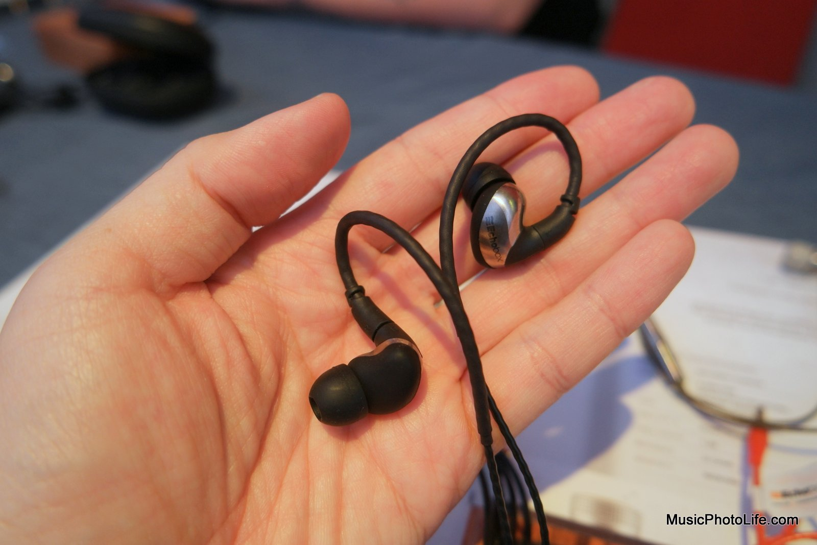 Echobox Audio Nomad earphones review by musicphotolife.com