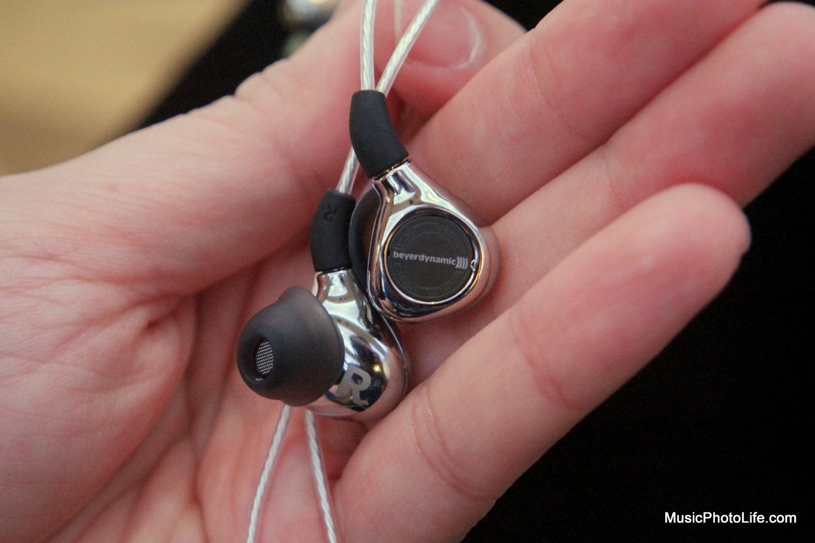 beyerdynamic Xelento in-ear headphones with Tesla technology, review by musicphotolife.com