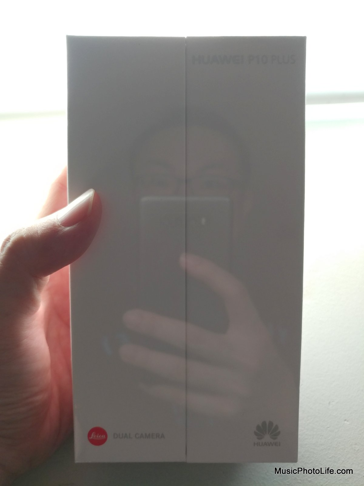 Huawei P10 Plus sealed box ready for unboxing by musicphotolife.com