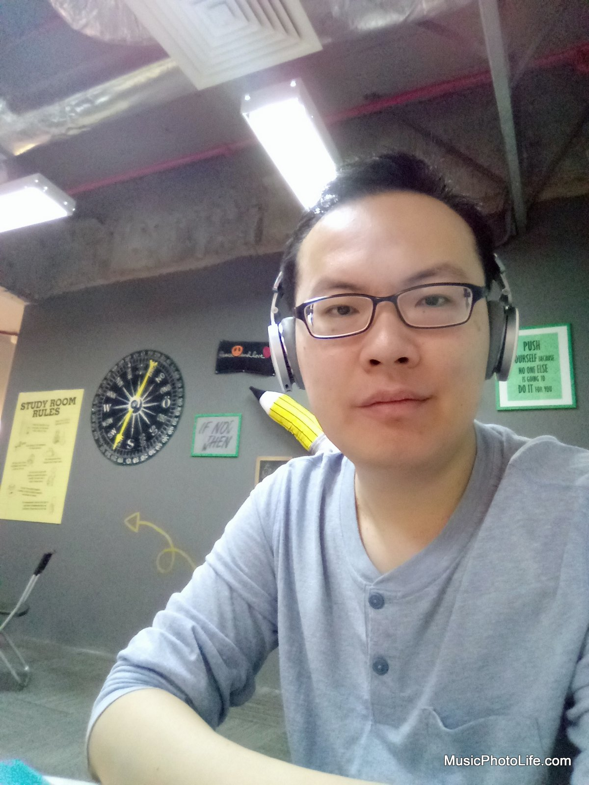 Neffos X1 sample image - selfie