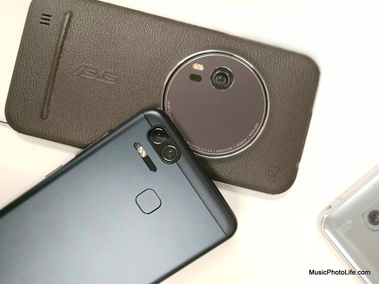 Compare ASUS Zenfone Zoom and Zoom S