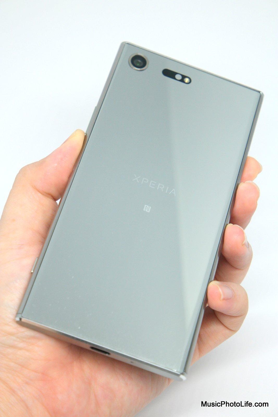 Sony Xperia XZ Premium shot on Whitebox Lightbox, review by musicphotolife.com