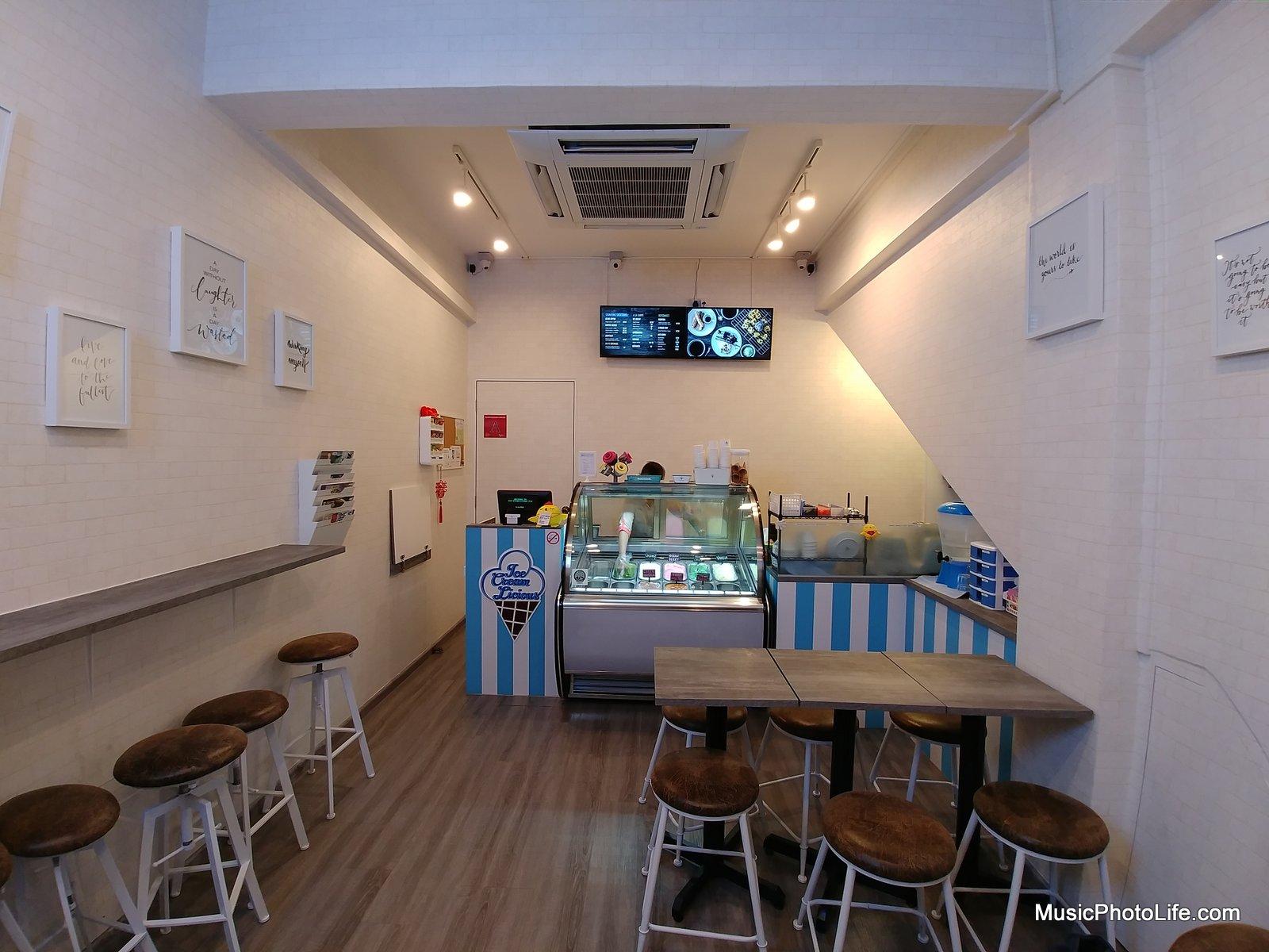 LG G6 wide angle photo at Ice Creamlicious