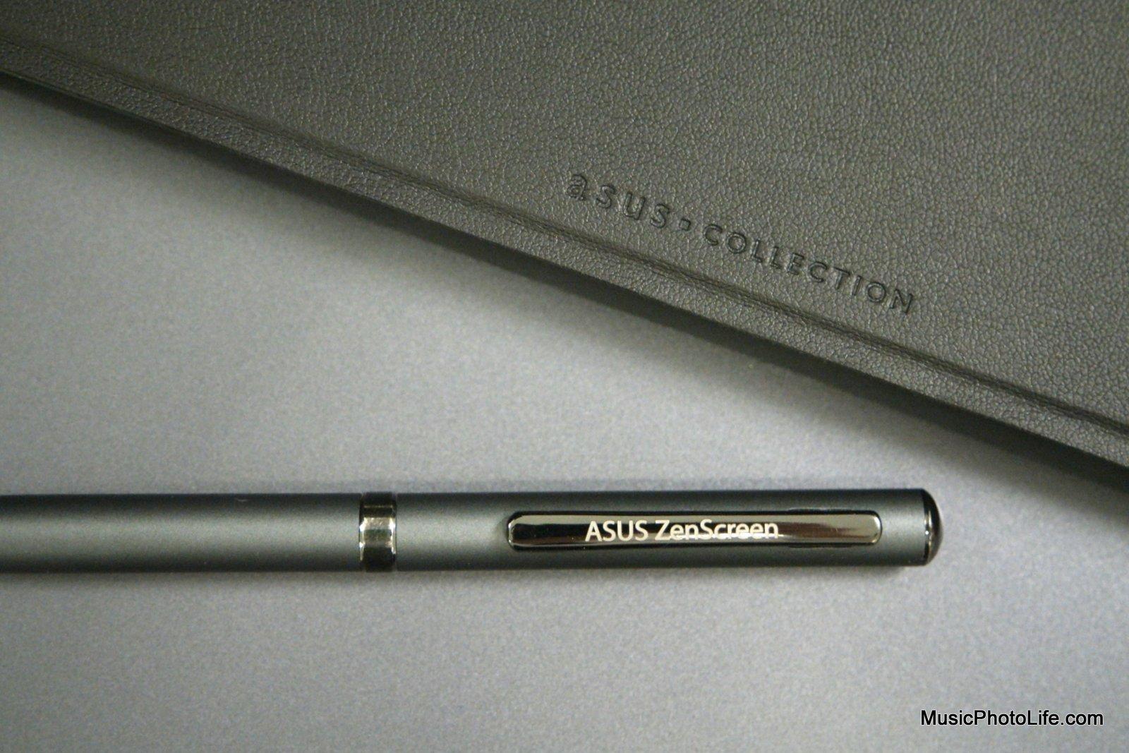 ASUS ZenScreen MB16AC portable USB monitor close up of the smart case and ZenScreen pen