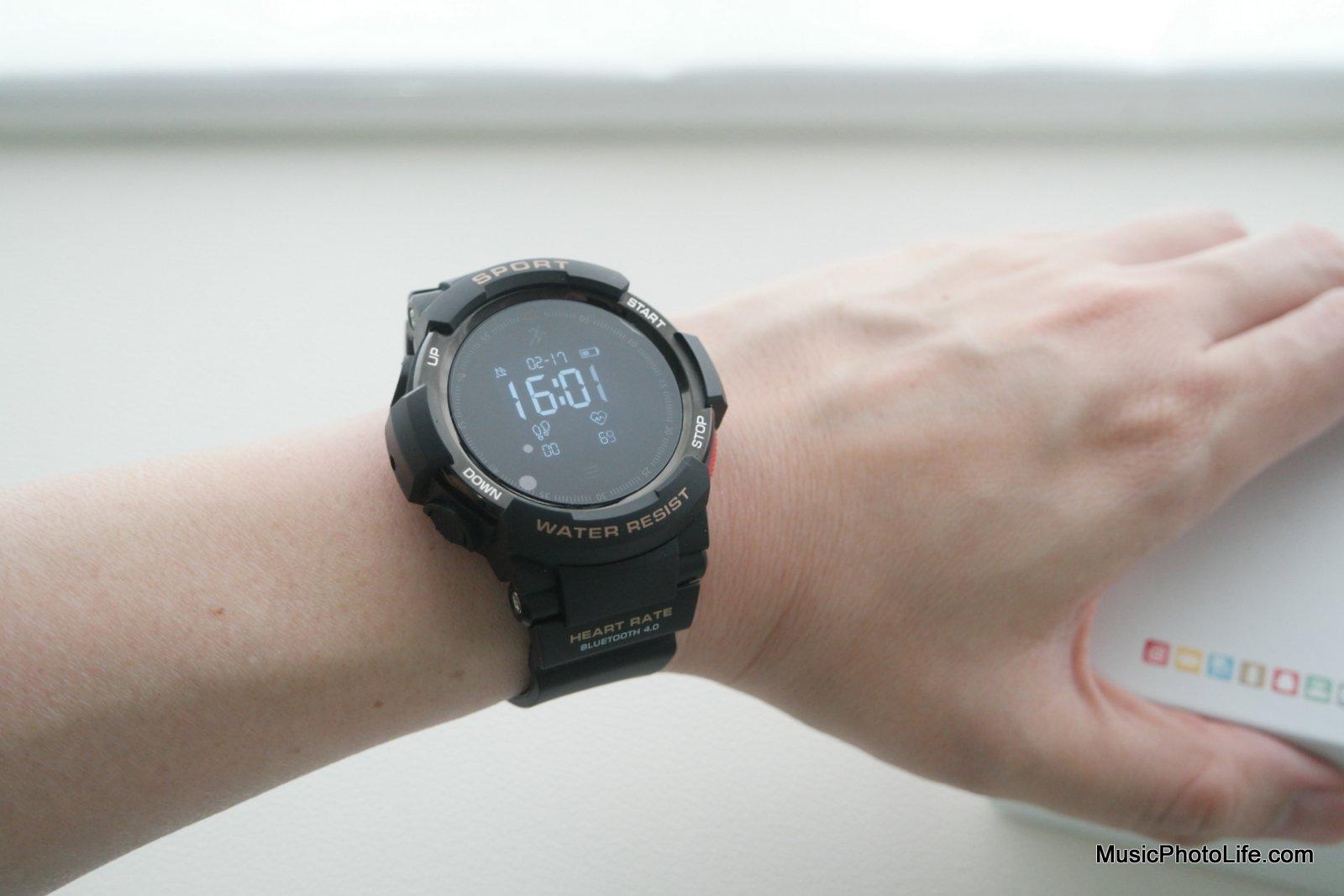 NO.1 F6 Smartwatch review by musicphotolife.com