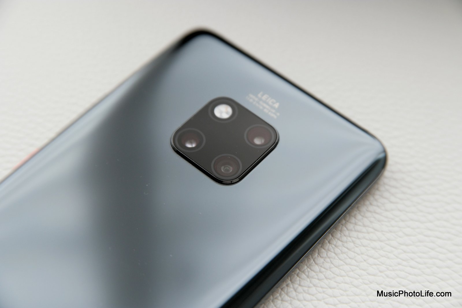 Huawei Mate 20 Pro review by musicphotolife.com, smartphone gadget blog in Singapore