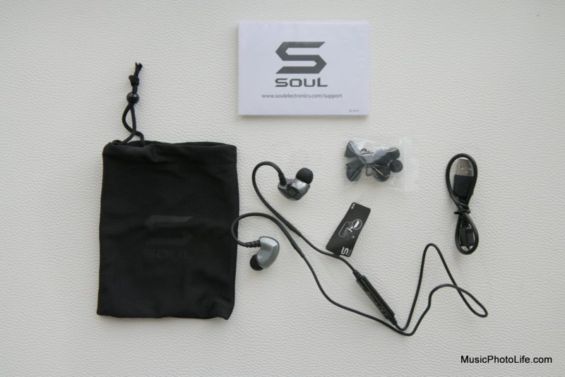 SOUL SS19 wireless earphones unboxing - Singapore consumer tech blog reviewer