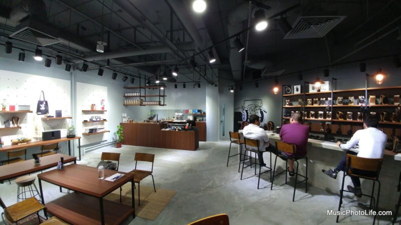 Zeppelin and Co Audio Cafe in Singapore, 2016