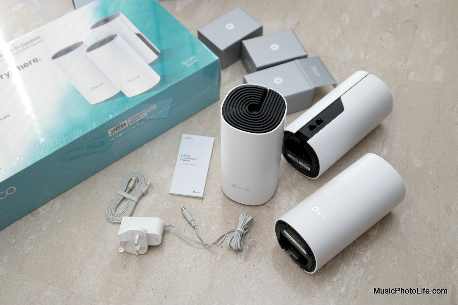 TP-Link Deco M4 unboxing review by Chester Tan musicphotolife.com
