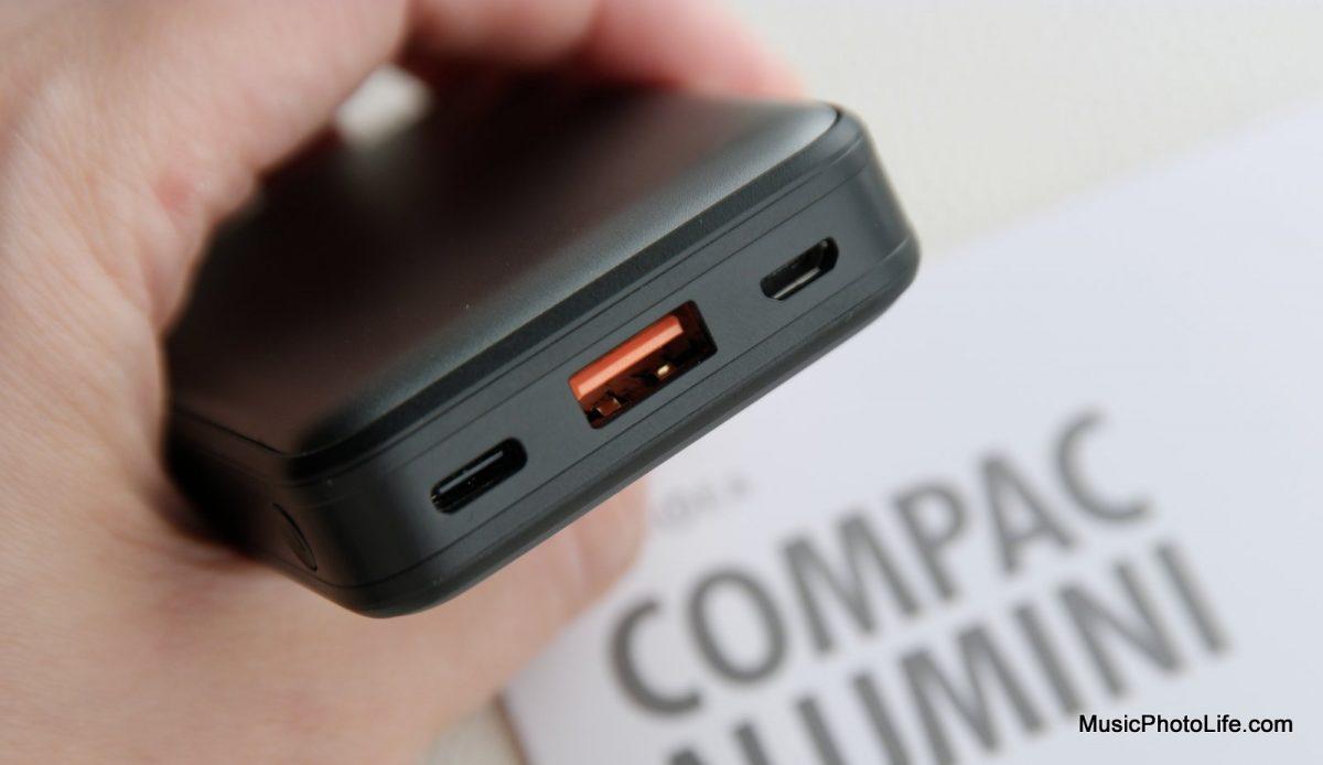 EnerGea ComPac AluMini 10000mAh powerbank detailed ports