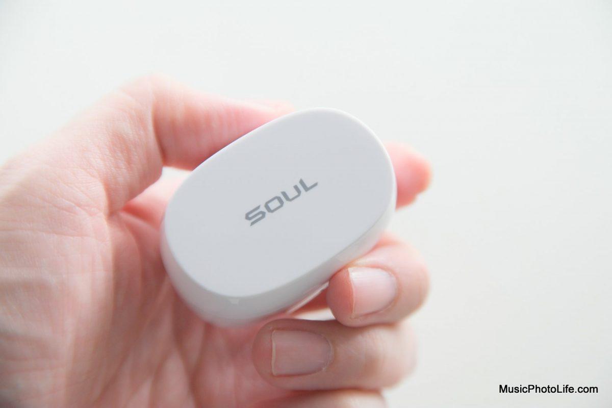 SOUL Emotion 2 review by Chester Tan, Singapore tech blog musicphotolife.com